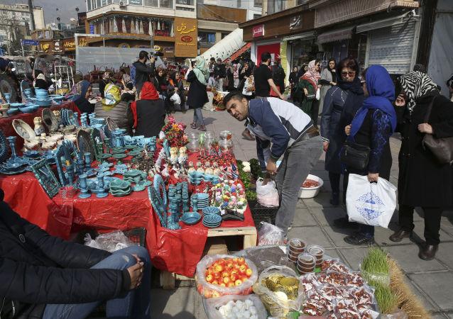 استعدادات بالاحتفال ببعيد النوروز في إيران، 13 مارس/ آذار 2019