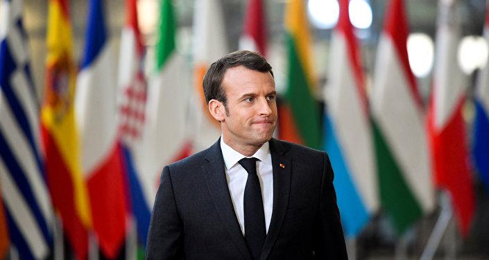 الرئيس الفرنسي إيمانويل ماكرون يصل إلى قمة قادة الاتحاد الأوروبي في بروكسل