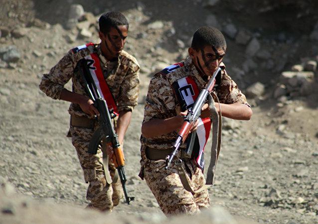 المقاتلون اليمنيون من لجان المقاومة الشعبية في تعز اليمن