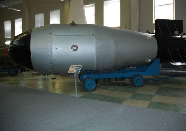 ملكة القنابل