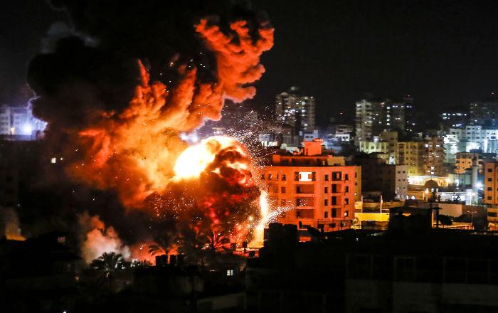 غارات-إسرائيلية-على-قطاع-غزة-وسقوط-صاروخ-أطلق-من-القطاع-داخل-الأراضي-الإسرائيلية