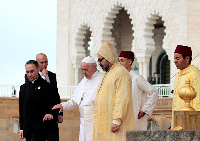 ملك المغرب يستقبل بابا الفاتيكان