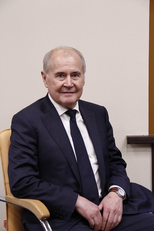 فانيل زياتدينوف، المدير العام لمصنع كوبول التابع لشركة ألماز-أنتي