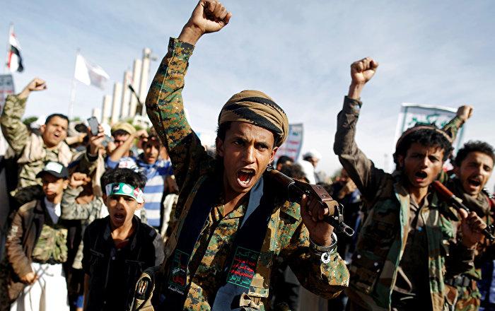 أنصار-الله-تعلن-قصف-معسكر-للجيش-في-الضالع-بصاروخ-باليستي