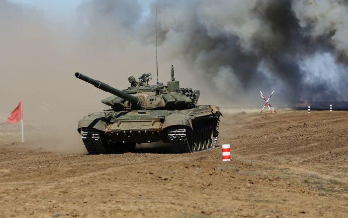تدريبات مشتركة لدبابات
