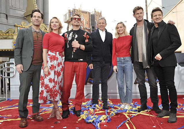 أبطال أفلام أفنجرز في منتجع ديزني لاند بكاليفورنيا، 5 نيسان/أبريل 2019