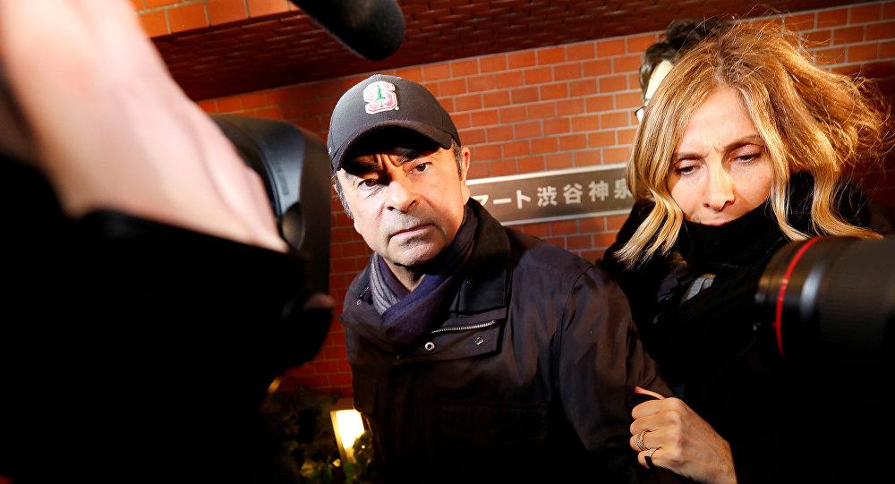 كارول غصن مع زوجها كارلوس غصن