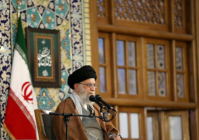 آية الله علي خامنئي يلقي خطابا في اليوم الأول من رأس السنة الفارسية