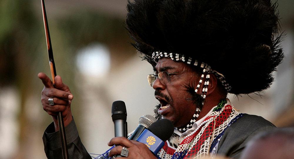 البشير يحضر احتجاجًا مع شعب جنوب السودان ضد مذكرة الاعتقال الصادرة عن المحكمة الجنائية الدولية في الخرطوم