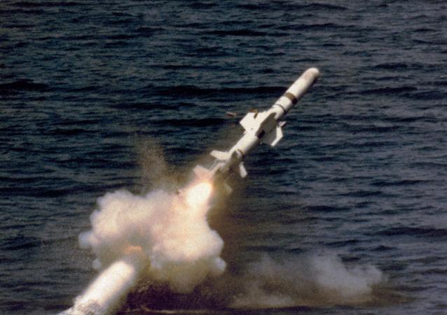 إطلاق صاروخ غاربون من الغواصة