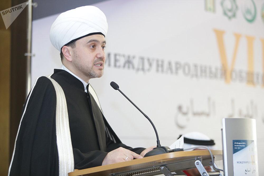 النائب الأول لرئيس مجلس شورى المفتين لروسيا و الإدارة الدينية لمسلمي روسيا الإتحادية المفتي الدكتور روشان عباسوف