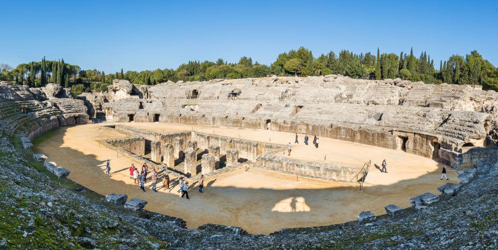 المدرج الروماني القديم لمدينة إيتاليكا القديمة، إشبيلية، إسبانيا