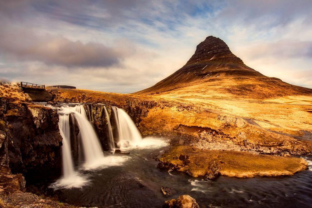 منظر لجبل كيركيوفيل في أيسلندا