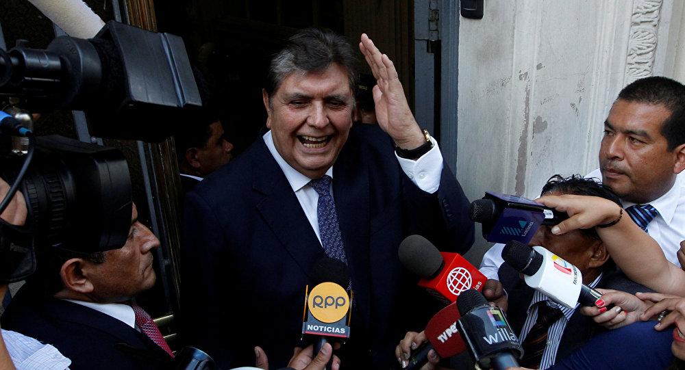 الرئيس السابق لبيرو آلان غارسيا يصل إلى مكتب الادعاء الوطني للإدلاء بشهادته