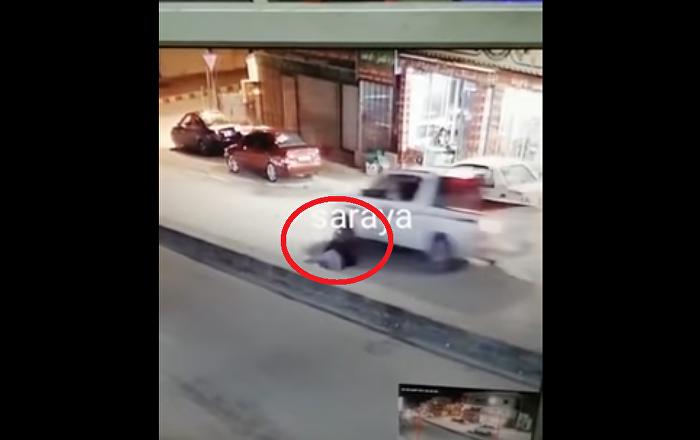 حادثة نيوزيلندا Picture: شاهد... لحظة سقوط شاب أمام مركبة ونجاته من الموت بأعجوبة