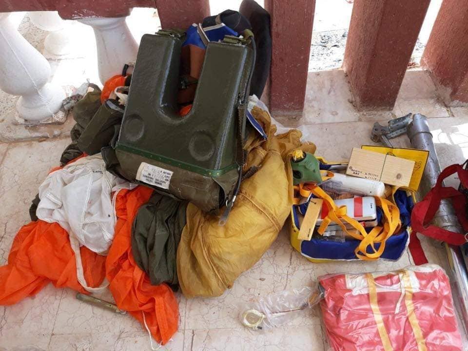 حطام طائرة من نوع ميراج إف 1 سقطت في ليبيا