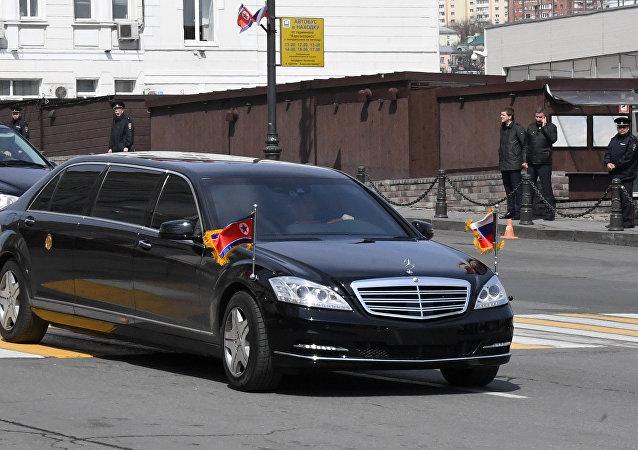 كيم جونغ أون في سيارته المدرعة خلال زيارته لروسيا