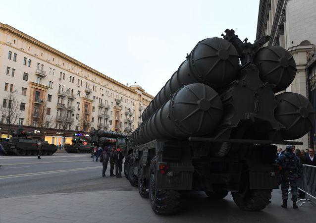 وصول المعدات العسكرية إلى بروفة العرض العسكري بمناسبة عيد النصر في موسكو، 30 أبريل/ نيسان 2019