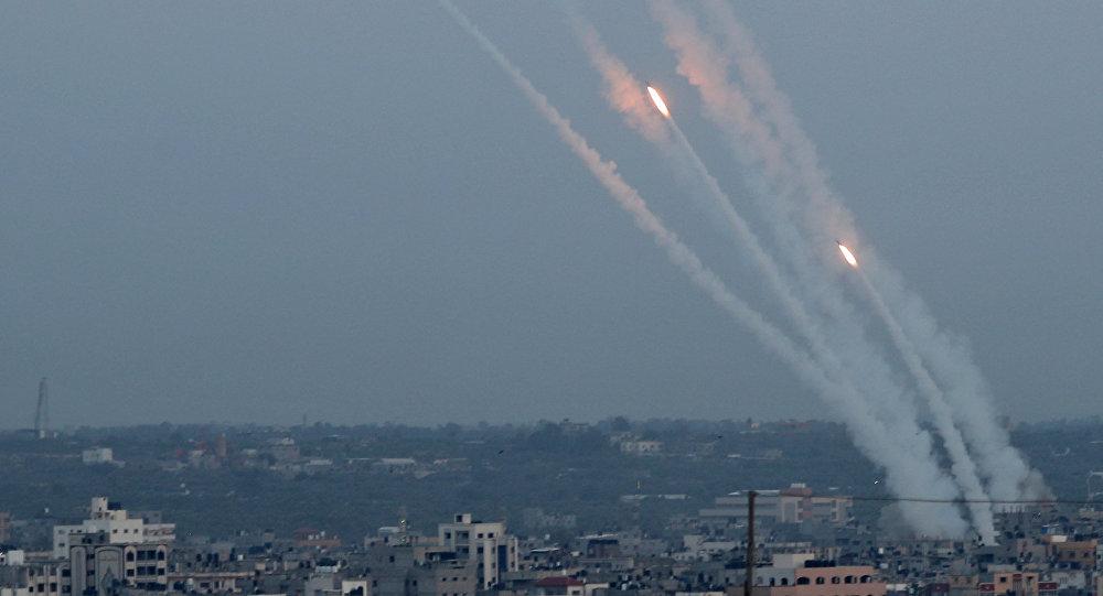 إطلاق الصواريخ من غزة باتجاه إسرائيل