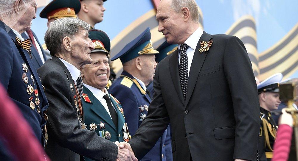 الرئيس الروسي خلال عيد النصر في الساحة الحمراء