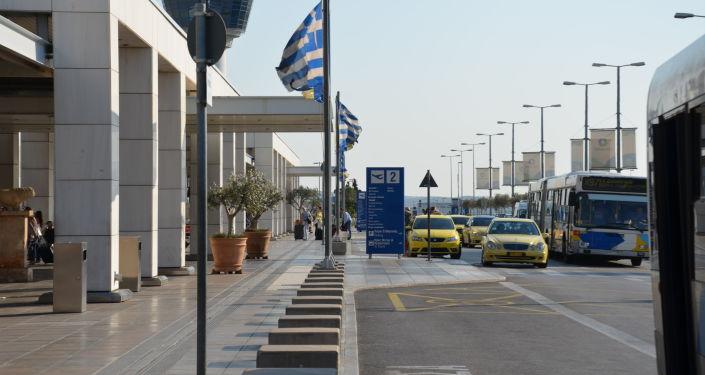 مطار أثينا الدولي في اليونان