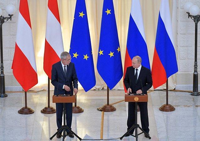 الرئيس فلاديمير بوتين يلتقي بالرئيس النمساوي الكسندر فان دير بيلن
