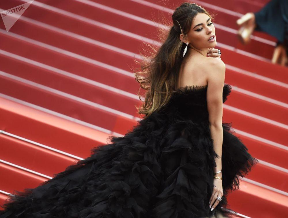 الممثلة الأمريكية ماديسون بير على السجادة الحمراء لمهرجان كان السينمائي الدولي في نسخته الـ72