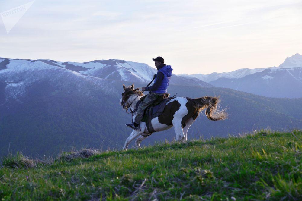 مفتش في منطقة الجزء الشمالي من المحمية الطبيعية القوقازية باسم خ. غ. شابوشنيكوف