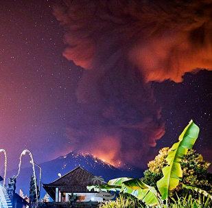 بركان جزيرة بالي