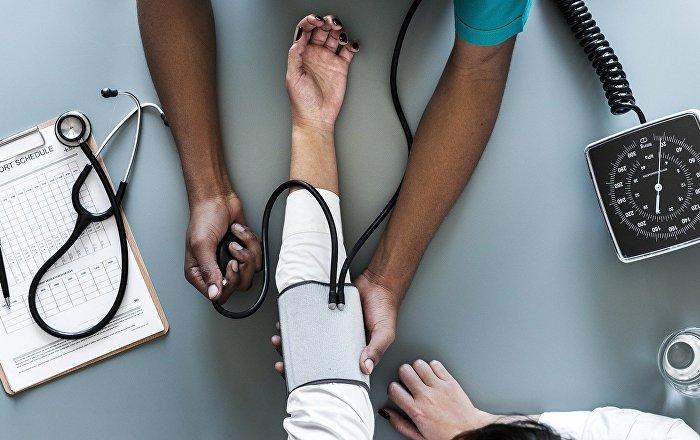 """""""القاتل الصامت""""… 7 حيل منزلية للتغلب على ارتفاع ضغط الدم"""