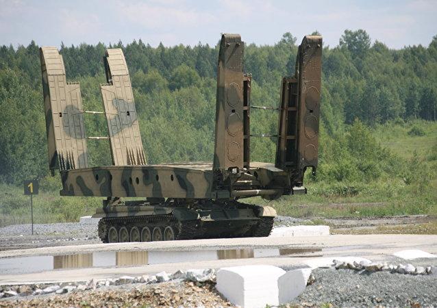 آلة بناء الجسور إم تي أو 72