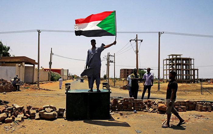 قيادي في قوى الثورة السودانية: العسكري