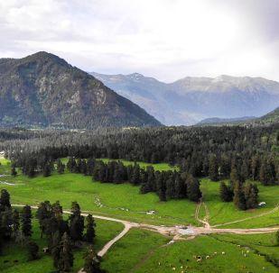 مشهد يطل على أراضي وادي صوفيا في جمهورية كراتشاي - تشركيسيا