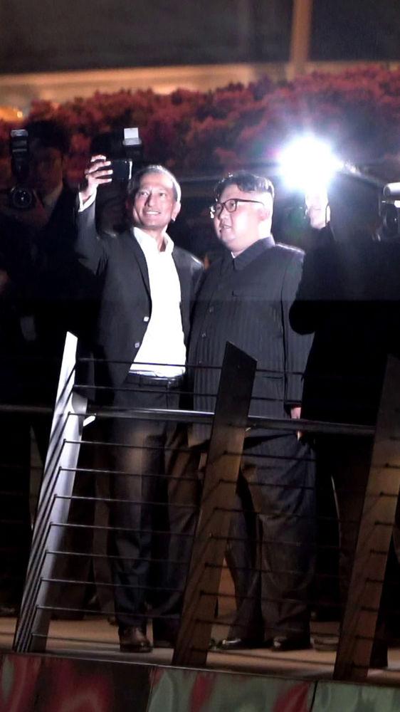 صورة سيلفي مع زعيم كوريا الشمالية كيم جونغ أون،  2018