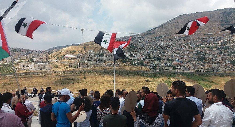 جدار عملاء تحشده إسرائيل لمشاريع خطيرة في المنطقة الأممية بالجولان