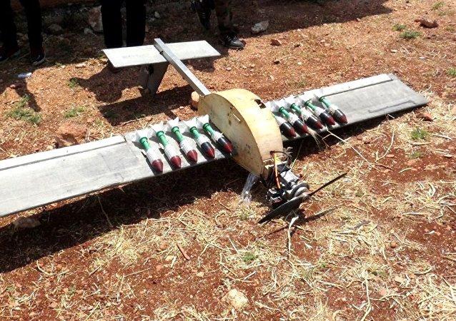 مضادات الجيش السوري تسقط طائرة مسيرة مذخرة بقنابل شديدة الانفجار شمال حماة