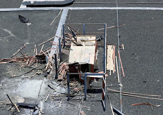 آثار قصف مطار أبها
