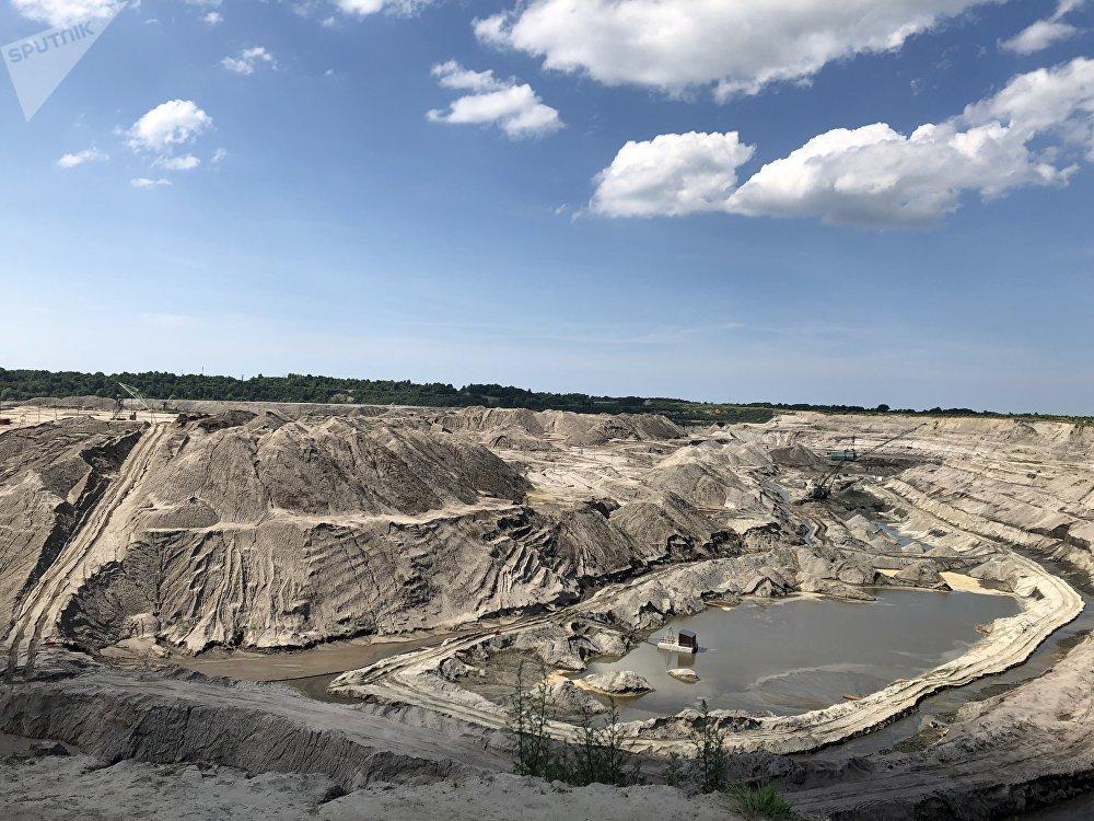 مقلع بريمورسكي لاستخراج الكهرمان في كالينينغراد