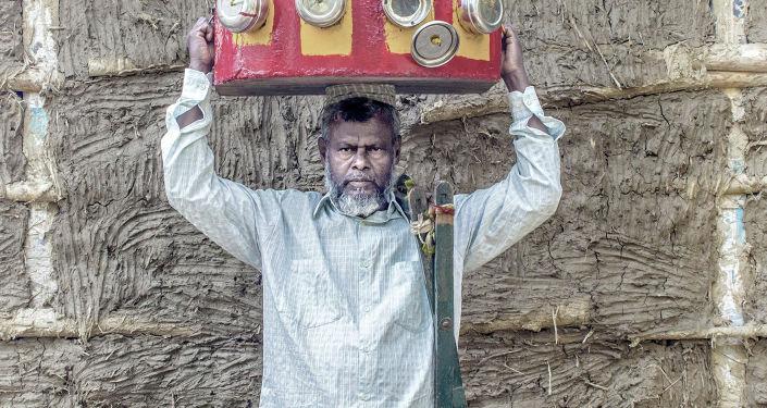 الصورة بعنوان حنين على وشك الانقراض، فئة لوحة شخصية. بطل من هذا الزمان، للمصور سانتانو داي من الهند