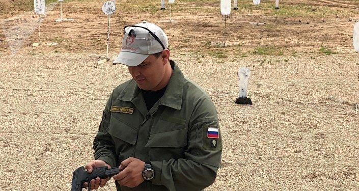 روستيخ تعرض مسدس الجيش الروسي الجديد