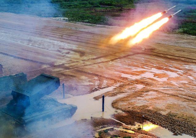 منتدى آرميا 2019 - راجمة تي أو إس-1أ التي يسميها العسكريون الروس سولنتسيبيوك (لفحة الشمس)
