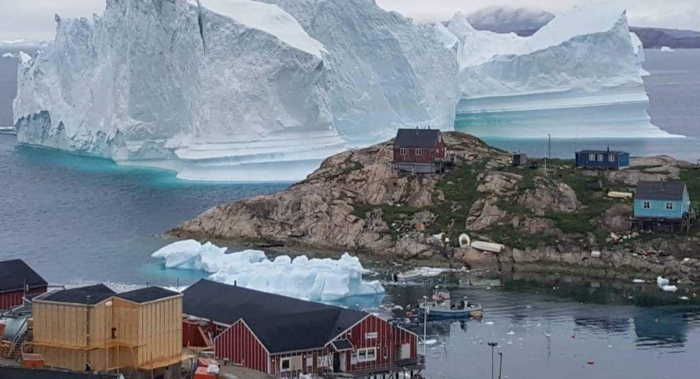 ذوبات الجليد بالقرب من بلدة إنارسيوت، غرينلاند 13 يوليو/ تموز 2018