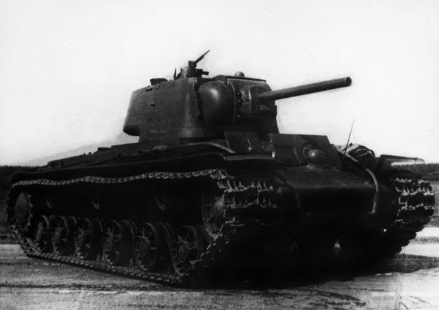 دبابة كا في-1