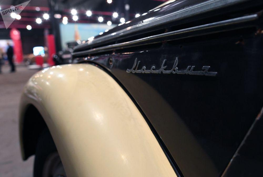 افتتاح أكبر معرض لمصنع السيارات موتوري أكتيابريا (محركات أكتوبر) في روسيا، على أراضي مصنع كريستال في موسكو. حيث يوجد أكثر من 70 سيارة فريدة من نوعها.