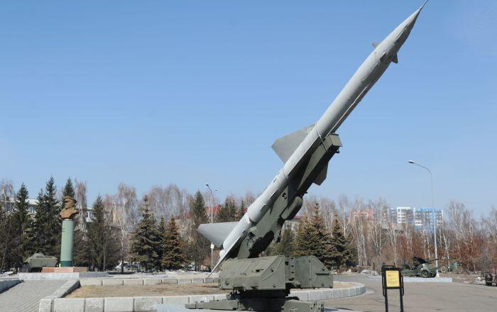 """مجلة: صاروخ """"إس-75"""" السوفيتي دفن """"القاذفة الخارقة"""" الأمريكية"""