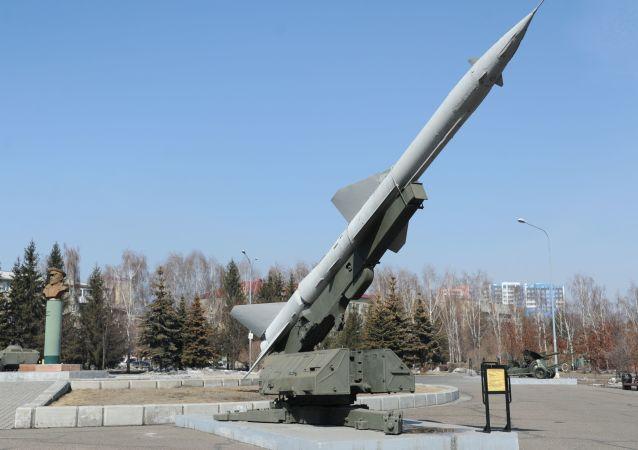 منظومة الدفاع الجوي إس-75
