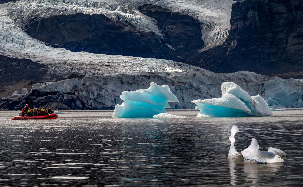 حديقة فاتناكوكول الوطنية – الطبيعية الديناميكية للنار والجليد في آيسلندا