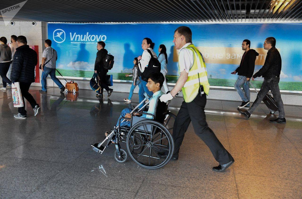 قاسم الكاظمي يصل مطار فنوكوفو في موسكو