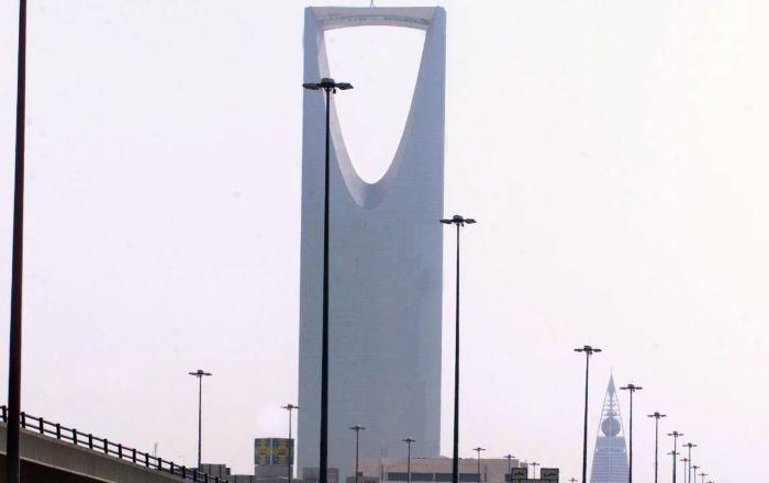 شاهد بالفيديو… مقيم في السعودية يشكر الملك سلمان بطريقة أبهرت الآلاف