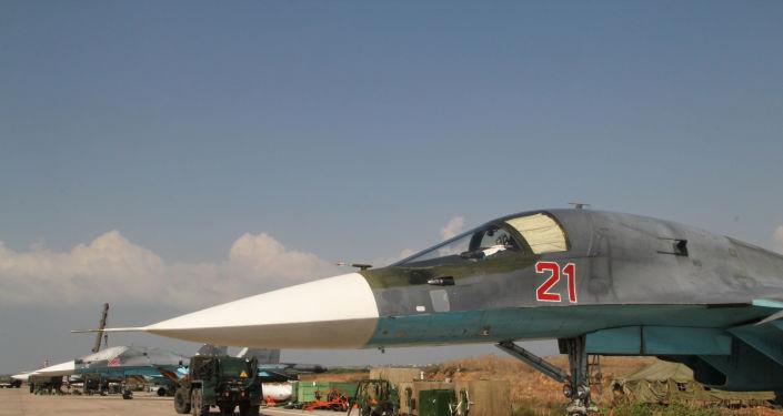 """الهدوء يسود """"حميميم""""… الطيارون الروس يحتفلون بيوم القوات الجوية"""